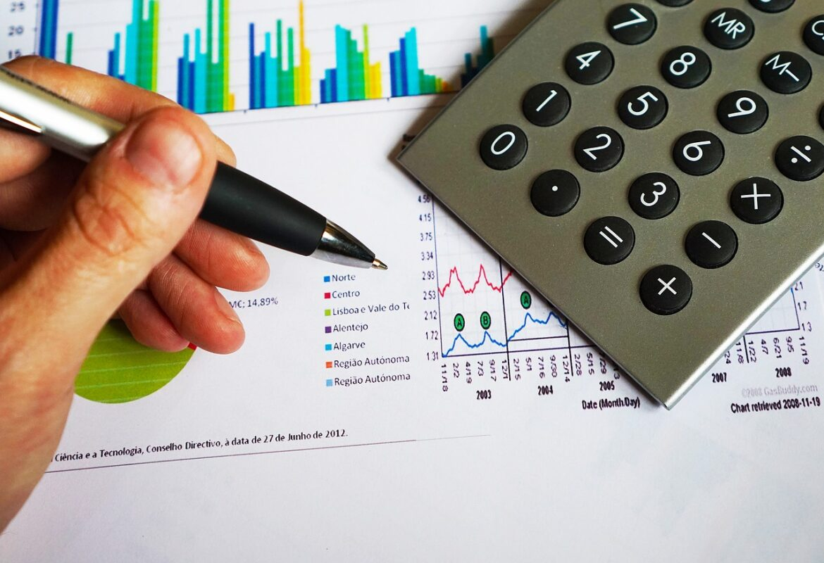 5 SIGNS YOUR BUSINESS NEEDS BOOKKEEPING SERVICES