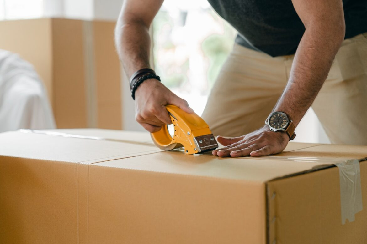 DO'S TO CONDUCT A LAST-MINUTE MOVE WITH PACKERS AND MOVERS