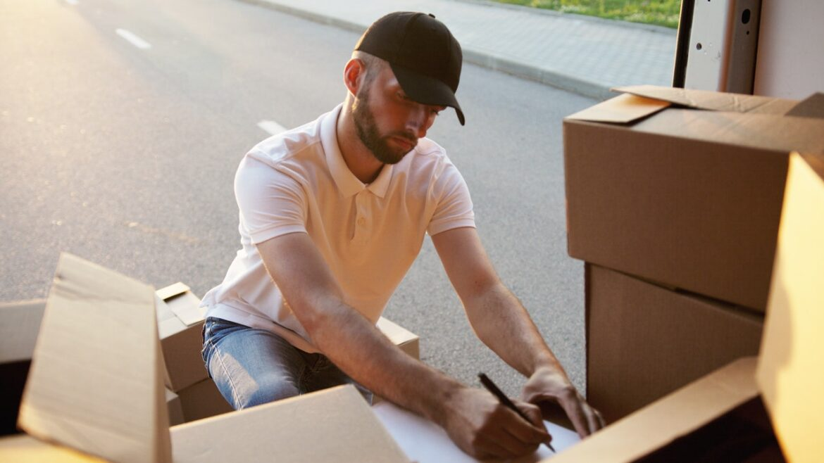 RIGHT WHEN IT IS BEST TO HIRE PACKERS MOVERS SRINAGAR