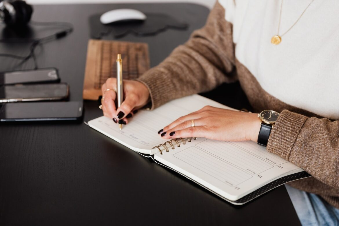 Assistant or Accountant: Which One Do You Need?