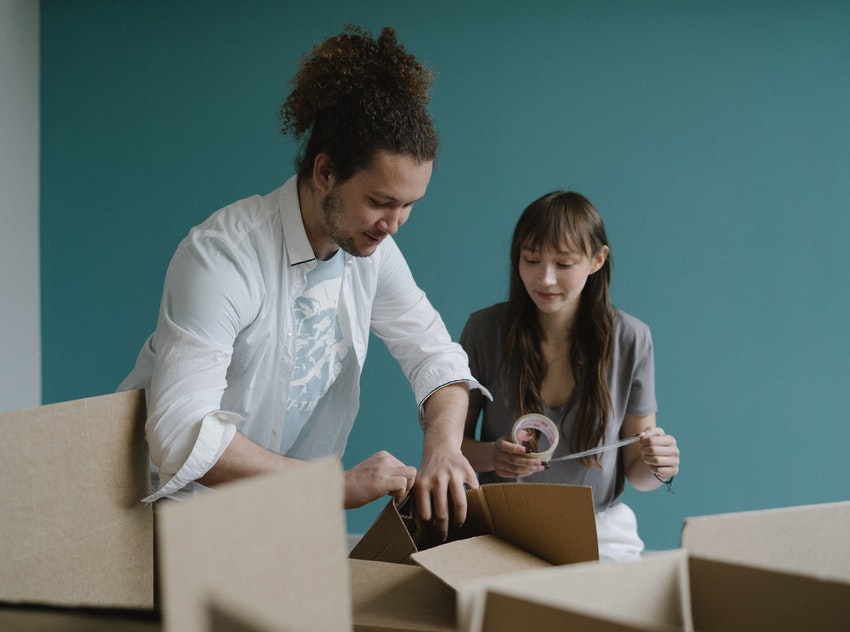 Move Furniture Or Buy New: Which Is Right For You When You Do A Relocation